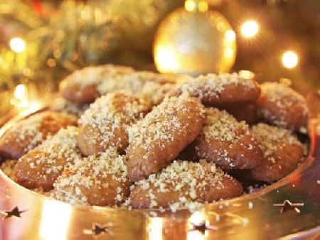 Традиционни гръцки коледни сладки с портокал, мед и орехи - снимка на рецептата